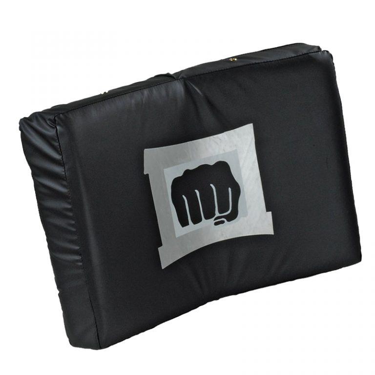 Kwon Schlagkissen gebogen schwarz, Größe: 56x36x10 cm Angebotspreis: 32,10 EUR (regulär: 49,50 EUR)